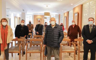 El Colegio de Médicos organiza la primera reunión de médicos jubilados voluntarios contra la COVID-19