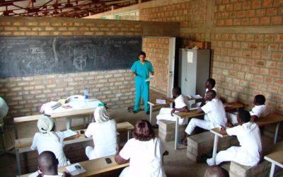 El doctor García Lanzas acude a Guinea-Bisáu para comenzar el proyecto de 'Cooperación Internacional'